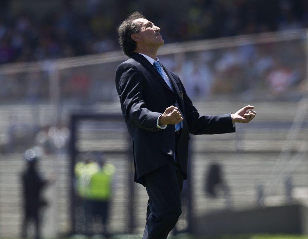 El técnico Mario Carrillo le da la espalda de forma casi definitiva a Romagnoli y Villa, quienes ni hicieron el viaje a Monterrey.