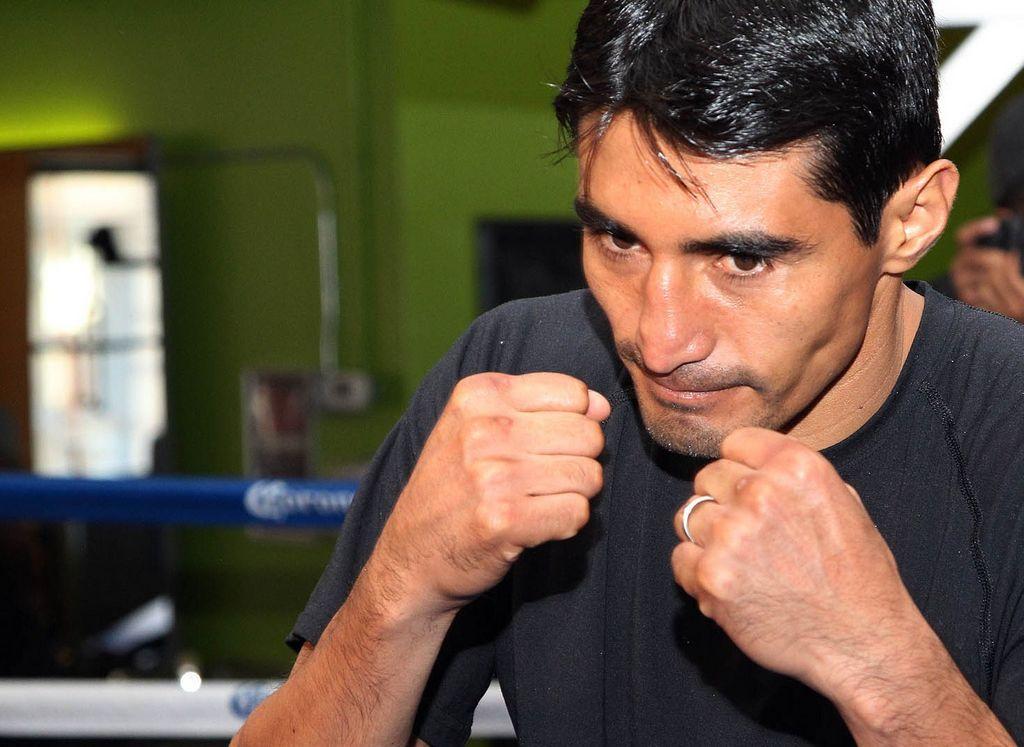 Erik 'el Terrible' Morales niega un positivo en dopaje, previo a la pelea con Danny García.