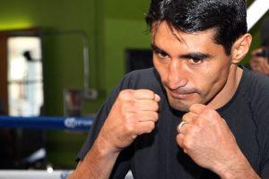 Erik Morales niega un positivo en dopaje previo a su pelea con Danny García