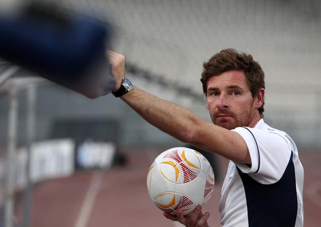 El ahora entrenador del Tottenham, Andre Villas-Boas, fue despedido hace ocho meses por el Chelsea y hoy le toca enfrentarlo.