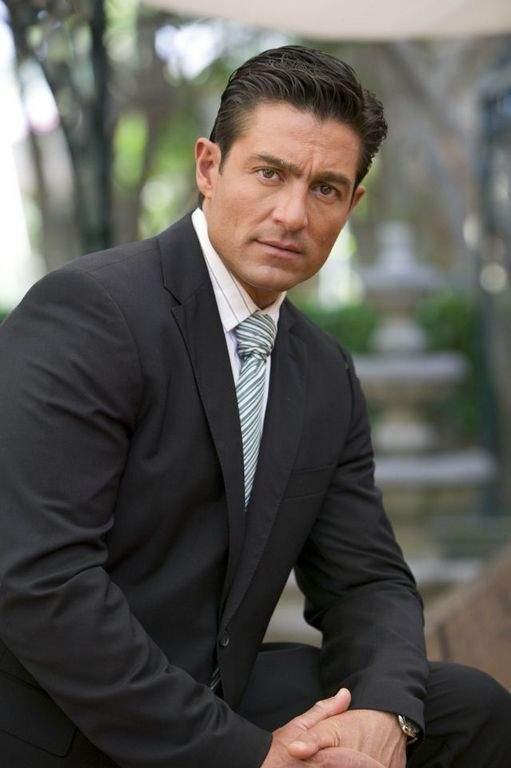 Fernando Colunga, más que actor un hacedor de sueños (video)   La Opinión
