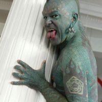 Hombre se transforma en lagarto (Fotos)