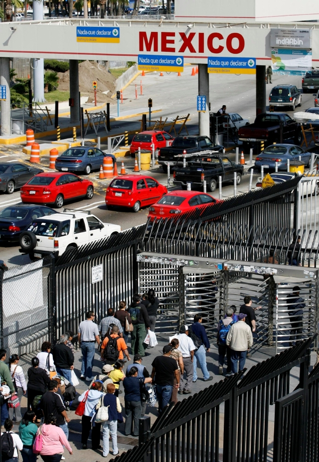 El congestionado paso fronterizo se verá aliviado cuando el Chaparral se convierta en  la principal salida de Estados Unidos a México.