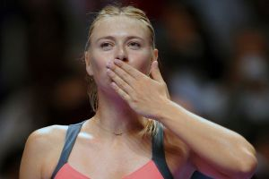 Sharapova vence a Stosur en Campeonato WTA