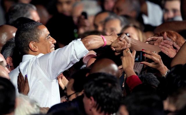 Obama va  en pos del voto de las mujeres