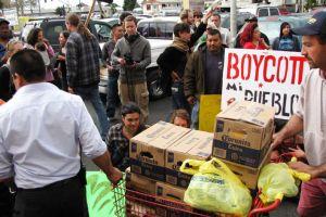 Protestan en contra de la cadena de Mi Pueblo en Oakland