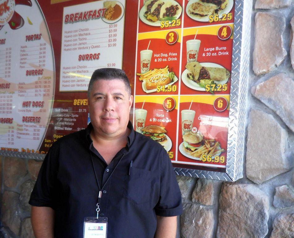 Negocios hispanos ayudarán a indocumentados en Arizona