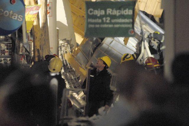 Argentina: 2 muertos en derrumbe de supermercado (Fotos)