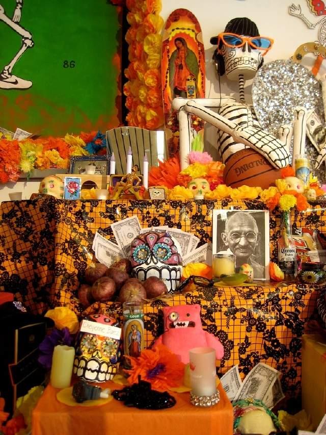 Aprenda cómo hacer un Altar de Muertos en casa