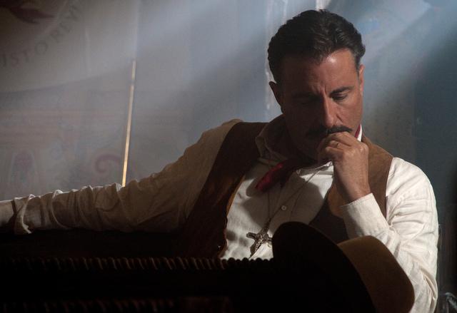 Andy García  interpreta a Enrique Gorostieta Velarde, que lucha al lado de los cristeros.