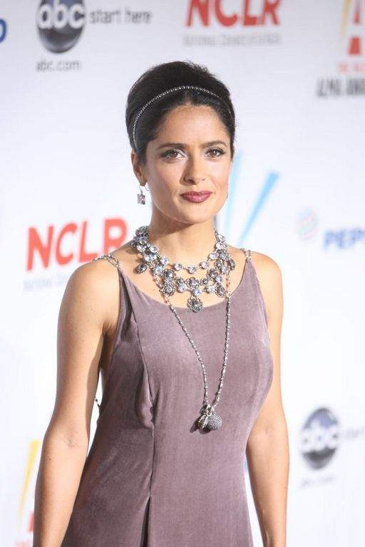 Salma se siente privilegiada por nacer en México