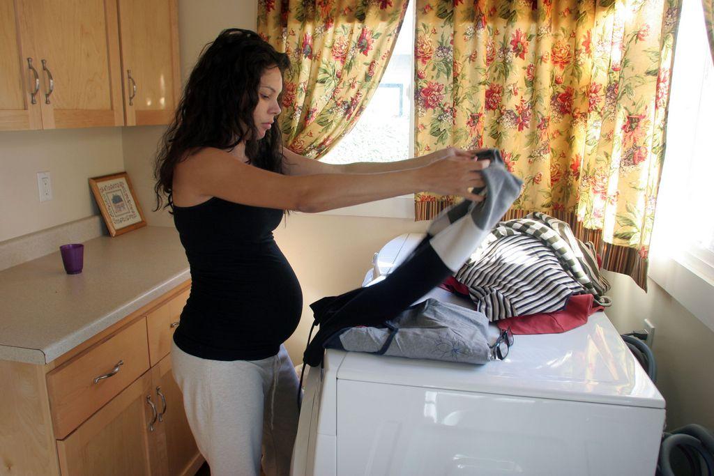 ¿Se oscurece el pelo con un embarazo?
