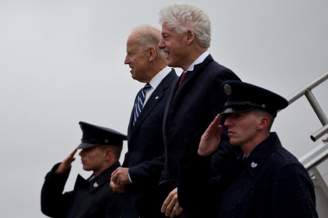 Biden y Clinton en Ohio