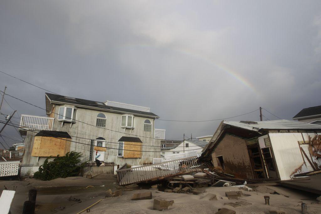 California envia equipos de rescate a zona afectada por Sandy