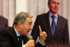 Álvaro Uribe  ante fiscalía