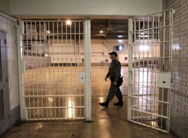 La rehabilitación regresará a prisiones en California