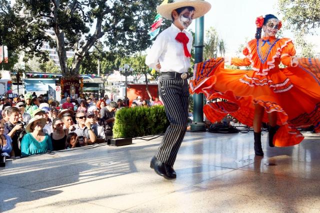 La Plaza Olvera celebró el Día de los Muertos (Fotos)