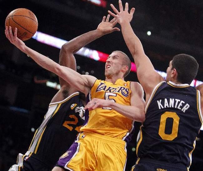 Steve Blake, de los Lakers de Los Angeles, será sancionado con 25 mil dólares