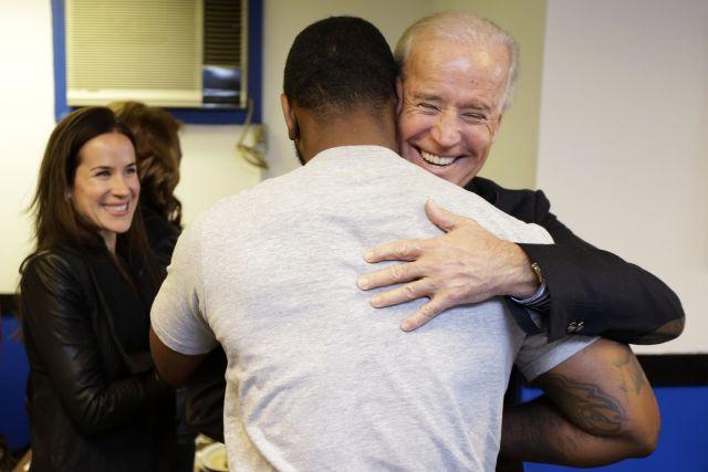 Biden aterriza en Ohio sin anunciarlo