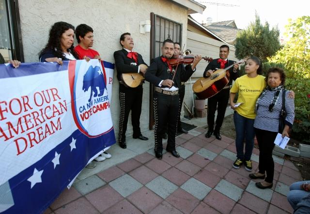 Despiertan el voto inmigrante