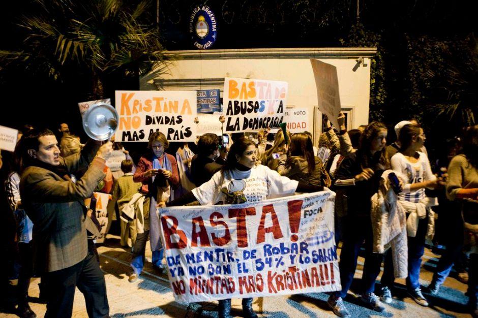 Argentina protesta contra gobierno de Cristina Fernández