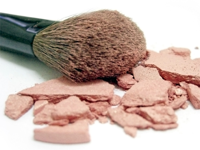 Is mineral makeup a healthy beauty option?