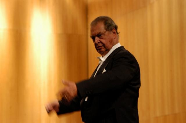 Maestro Rafael Frühbeck de Burgos presenta obra de Falla en el Disney Hall