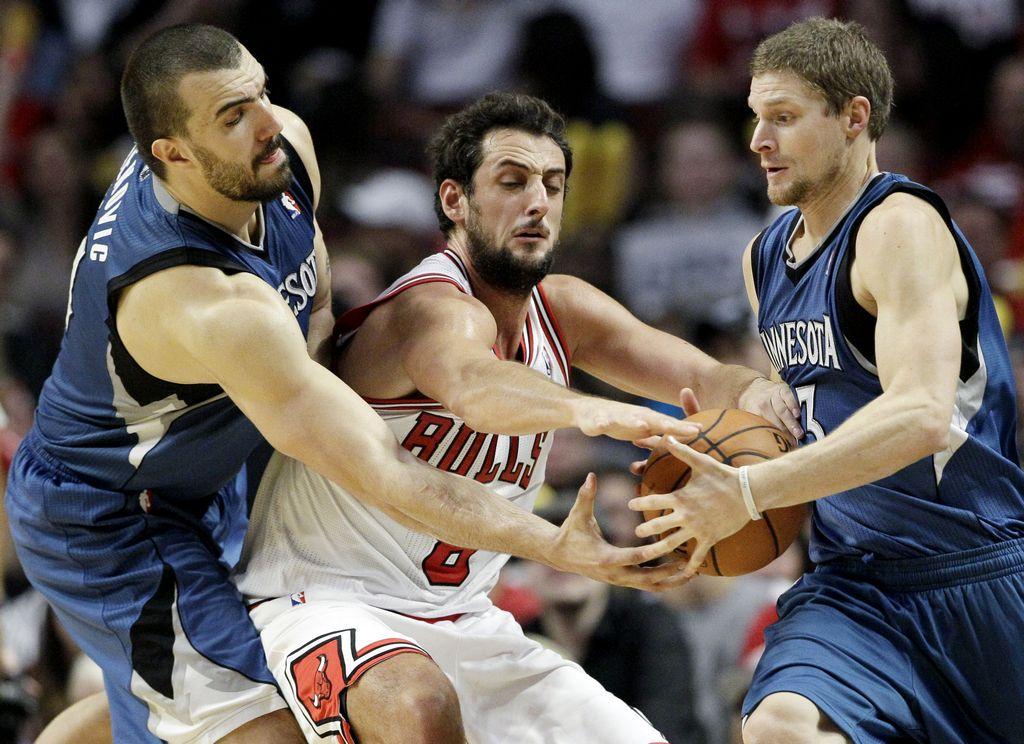 Los Bulls detienen la racha de los Timberwolves (Fotos)
