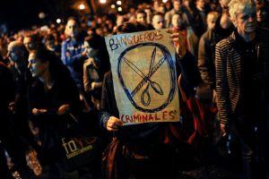 Tras suicidio dice Rajoy que vienen reformas