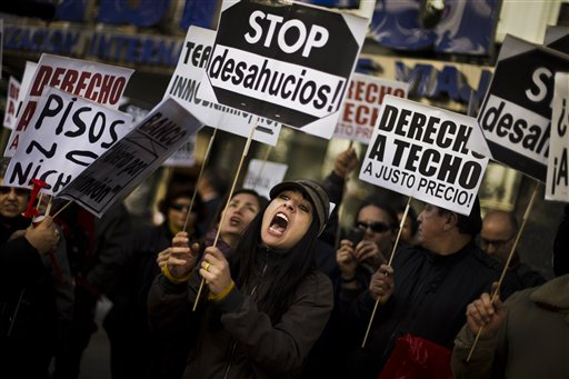 Banca española suspende embargos de viviendas (Fotos)