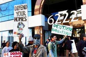 Occupy LA exige que paren embargos hipotecarios; la policía arresta a seis