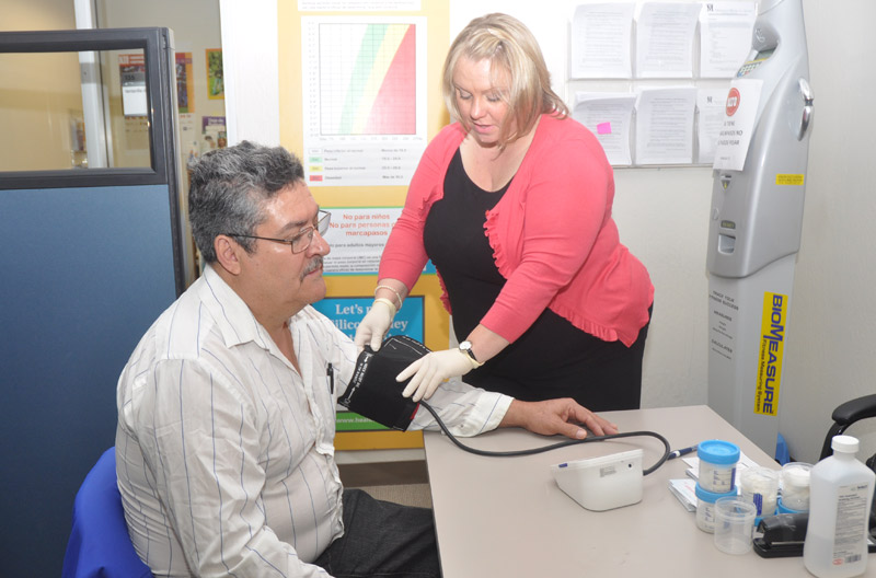 Ofrecen servicios para prevenir diabetes a hispanos en la Bahía