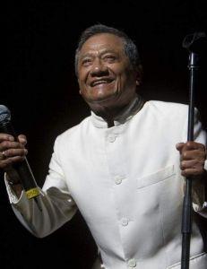 Armando Manzanero regresa a las 'canciones que quise escribir' (video)