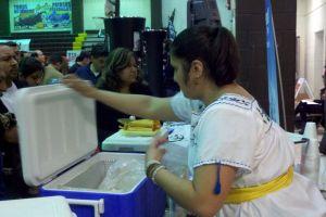 Venden casi 25,000 tamales en feria de Chicago (Fotos)