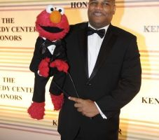Voz de Elmo renuncia tras acusaciones de sexo con menores (Fotos)