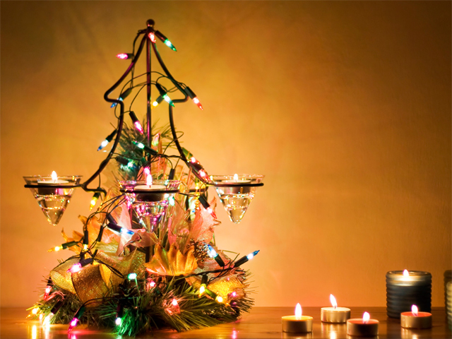 5 Christmas decorating tips for apartments and small spaces