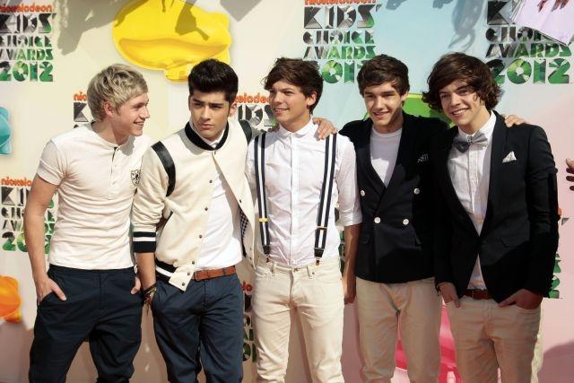 """One Direction llega a la cima con """"Take Me Home"""" (Fotos y video)"""