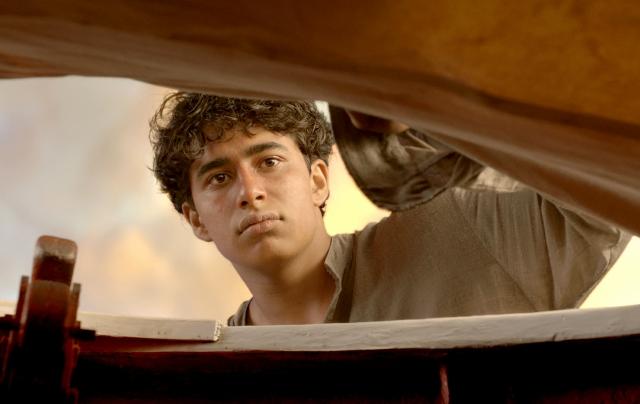 Suraj Sharma debuta como actor en 'Life of Pi' (Video)