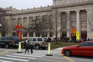 Declaran moratoria a cierres de escuelas de Chicago