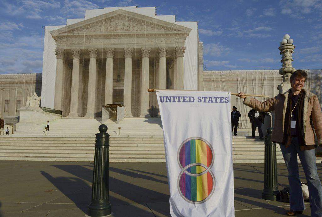 Supremo de EE.UU. posterga decisión sobre matrimonio gay