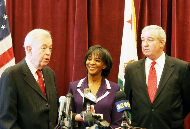 Jackie Lacey en su acto de juramentación al cargo en USC.