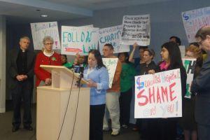 Latinas demandan al hospital Swedish Covenant en Chicago