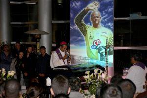 Miles le dan el adiós a Miguel Calero