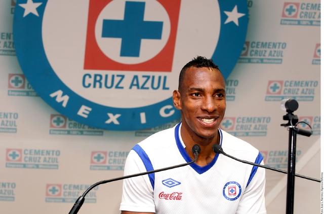 Luis Perea admite que en el plantel de La Máquina hay mucha presión por no poder ser campeones.