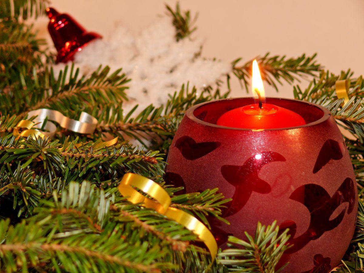 La historia de los adornos navideños