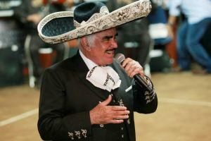 Vicente Fernández anuncia que retoma su gira del adiós en febrero