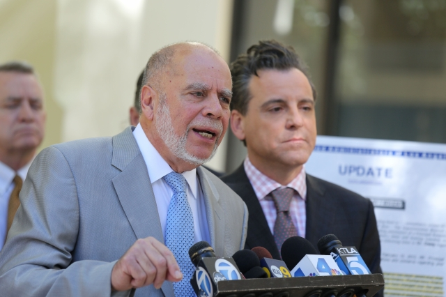 'El distrito no está actuando de buena fe en beneficio de los intereses de las víctimas', dijo uno de los abogados.