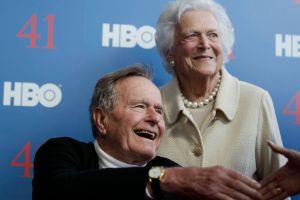 George Bush padre sigue hospitalizado, pero estable