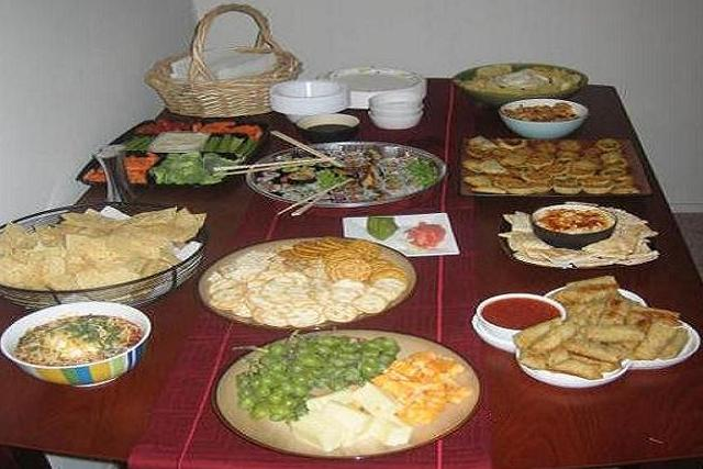 How to plan food for a large party