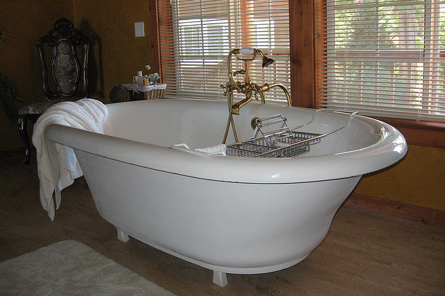 Bathtub remodeling; to refinish or replace. What's right for you?